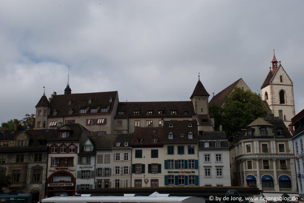 Basel - Häuserfront im Zentrum