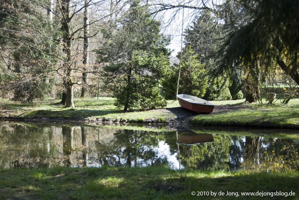 Fischteich mit Boot
