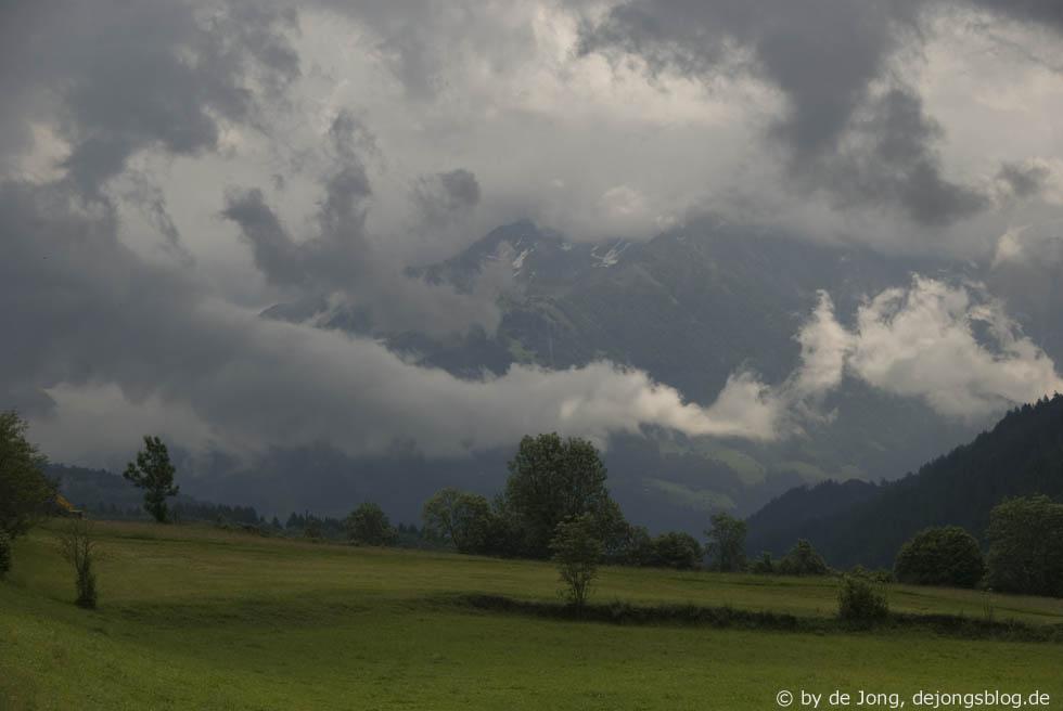 Berge in den Wolken
