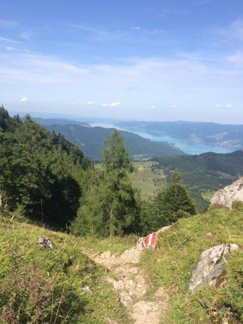 Blick auf Berge und See, Urlaub